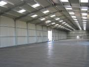 Hangar métallique double pentes - Hauteur sous gouttière de 3 à 6 m