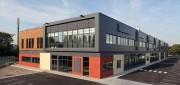 Hangar métallique modulaire - En acier, pour bureaux, grandes surfaces commerciales, magasins, concessions automobiles ...