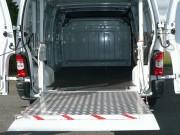 Hayon élévateur pour véhicule professionnel - Capacité : 1000 kgs - 2 poutres