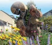 Hôtel à insecte en sculpture - En fer rond de serrurerie galvanisé à chaud
