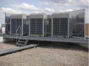 Installation des VRV - Cette installation conditionne 3200 m²