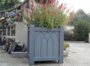 Jardinière en plastique recyclé hauteur 60 cm - Dimensions (cm) : 58 x 58