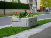 Jardinière granit bouchardé 120x120 - PAQUETAGE