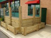 Jardiniere terrasse café en bois - Dimensions (mm) : 1330 x 500 x 1800