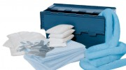 Kit d'absorbants mobile - Contenu : 6 coussins, 3 boudins, 20 tapis, 1 paire de gants de protection