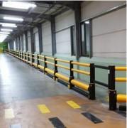 Barrière de protection de piètons - Poteaux diamètre 130 mm en partie haute et 190 mm en bas