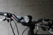 Lampe pour vélo à LED - Puissance : 1200   -   lumens Autonomie : 4h