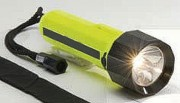 Lampe torche LED rechargeable - Conforme aux normes d'éclairage ANSI FL-1