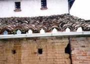 Les plaques bouche-tuiles - Prévention et protection des bâtiments