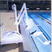 Lève personne pour piscine - Capacité : jusqu'à 135 kg