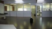 Local de bureau en profilés aluminium - Réutilisable : installation temporaire ou définitive