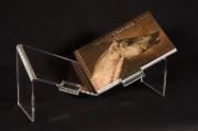 Lutrin d'exposition couchée pour livre Oblong - Dimensions  (L x H x P) : 38 x 17 x 13 cm