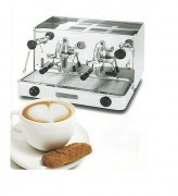 Machine à café professionnelle 2 groupes à levier - Robuste et fiable
