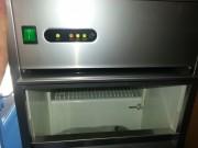 Machine à glaçons 25 Kg/24H - Production : 25 Kg par 24 Heures
