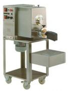 Machine à pâtes professionnelle 6 kg - Prod. 18kg/h  cuve de pétrissage 6kg