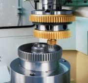 Machine à tailler par fraise mère - Diamètre de la pièce d'usinage (mm) max : 4500