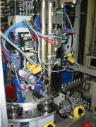 Machine d'assemblage 8 bols vibrants - Assemblage de boîtier prise encastrable