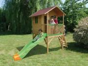 Maisonnette sur pilotis en bois - Dimensions hors tout (L x l x H) cm : 365 x 200 x 253
