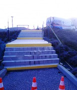 Marquage escalier handicapé
