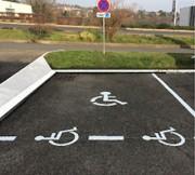Marquage place parking handicapé - Pour parking extérieur - Mise aux norme PMR