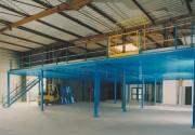 Mezzanine industrielle avec plancher aggloméré - Avec plancher aggloméré, caillebotis ou bacs acier
