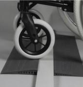 Mini rampe en caoutchouc PMR - Adhésif sur face intérieure  -  Facilement découpable si besoin