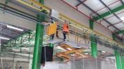 Montage étiquettes signalétique entrepôt