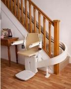 Monte escalier automatique - S'adaptent à tous les types d'escaliers.