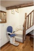 Monte escaliers droit pour personnes à mobilité réduite - Assise confortable - Ergonomique - Sur mesure