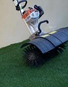 Moto-brosse pour gazon synthétique - Brosses rotatives sur une largeur de travail de 600 mm