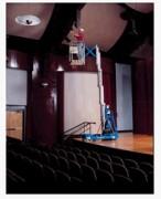 Nacelle élévatrice verticale - Hauteur de travail : 8.22 à 11m. Capacité de charge : 159 kg