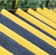 Nez de marche agrippant - Une solution abordable et polyvalente pour sécuriser les marches d'escalier glissantes