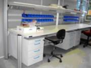 Paillasse de laboratoire biomédical - Structure réalisée en profilé d'acier