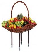 Panier à fruits en osier monté sur pieds métalliques - Dimensions (cm) : 120 x 80 x 70 / 165