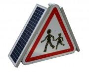 Panneau A13A solaire pour collectivité - 70 cm de coté pour les rappels de danger (A13 a et A13 b)