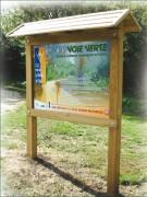 Panneau affichage en bois - Hauteur hors-sol  : 2.30 m - - Largeur : 1000 à 1400 mm