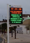 Panneau d'affichage électronique HD - Mobilier d'affichage extérieur pour informer la population