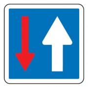 Panneau d'indication priorité par rapport à la circulation venant en sens inverse C18 - Dimensions (mm) : de 350 à 1050 - Norme CE et NF - Type C