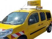Panneau de convoi exceptionnel à relevage éléctrique - Panneau aluminium à rebords 1100x400