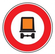 Panneau interdiction véhicule transportant marchandise dangeureuse B18c - Dimensions : de 450 à 1250 mm - Norme CE et NF - Type B