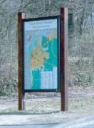 Panneau publicitaire en bois exotique