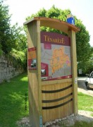 Panneau urbain informatif en bois - Dimensions : sur mesure