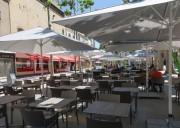 Parasol professionnel pour terrasse - À mât central - Jusqu'à : 78 m²