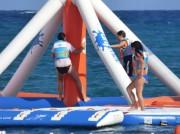 Parc de structure gonflable aquatique - Capacité d'accueil : 75 personnes