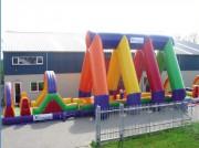 Parcours gonflable d'extérieure jeu d'enfant - Dimensions : Longueur 24 ,0m x largeur 4 m x hauteur 7,0 m