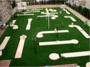 Parcours mini golf à 12 pistes - Eléments de piste : 46 ou 67 - Obstacles : 22 ou 34