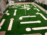 Parcours mini golf à 15 pistes - Eléments de piste : 57 ou 86 - Obstacles : 27 ou 42