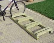 Parking à vélo en bois - 4 places - Dimensions (L x P x H) cm : 149 x 59 x 14