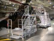 Passerelle de maintenance aéronautique - Pour hélicoptères - Garde-corps coulissant