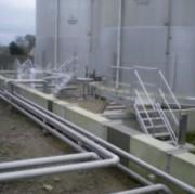 Passerelle et escaliers de franchissement - En aluminium - Sur mesure